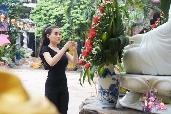 Dù cố ăn mặc kín đáo nhưng Ngân 98, Kaity Nguyễn vẫn lọt top đào tiên siêu hot - hình ảnh 5