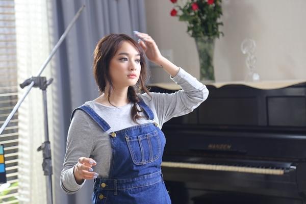 Dù cố ăn mặc kín đáo nhưng Ngân 98, Kaity Nguyễn vẫn lọt top đào tiên siêu hot - hình ảnh 9