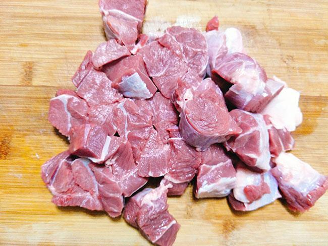 Bò kho nước dừa thơm lừng, ăn với cơm hay bún đều ngon hết ý - 3