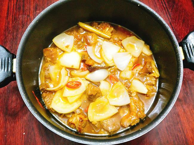 Bò kho nước dừa thơm lừng, ăn với cơm hay bún đều ngon hết ý - 7