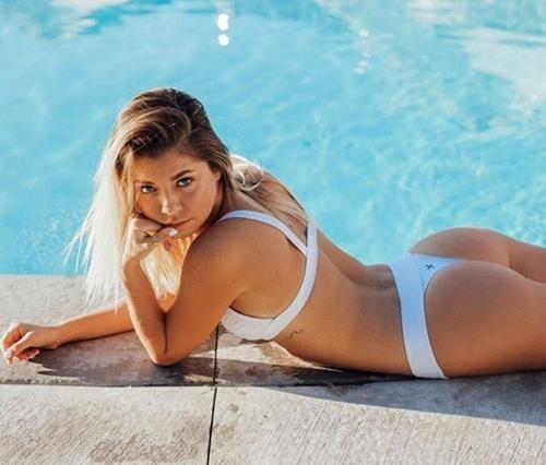 """Người mẫu xinh đẹp bị cảnh sát """"tuýt còi"""" vì mặc bikini đi xe máy ở Philippines - hình ảnh 7"""