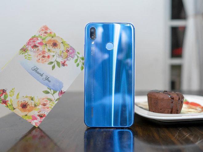 FPT Shop tặng quà giá trị trong ngày mở bán Huawei Nova 3e - 1
