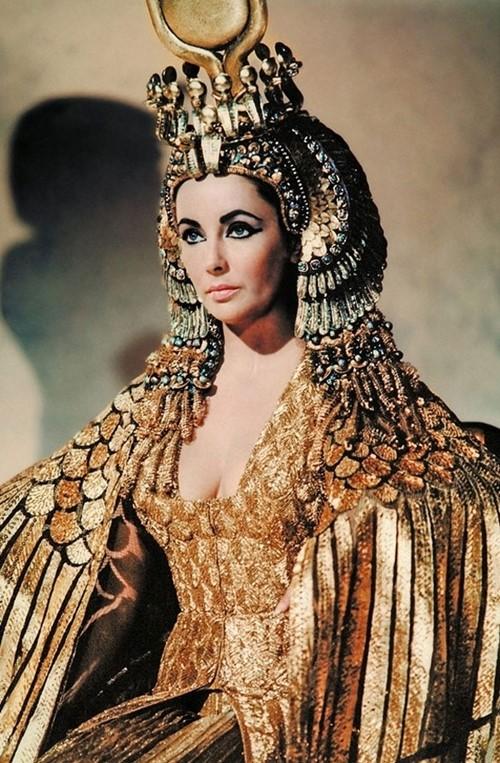 Người Ai Cập làm đẹp với giá chỉ chục ngàn đồng - 1