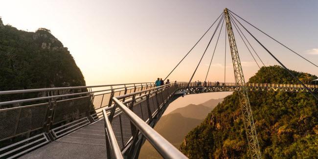 Cầu khỉ Việt Nam nằm trong top 15 cây cầu đáng sợ nhất thế giới - hình ảnh 10