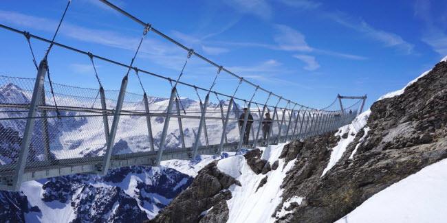 Cầu khỉ Việt Nam nằm trong top 15 cây cầu đáng sợ nhất thế giới - hình ảnh 11