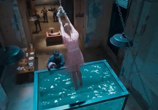 Á hậu Hong Kong khoe nội y trong phim mới gây chú ý - hình ảnh 3