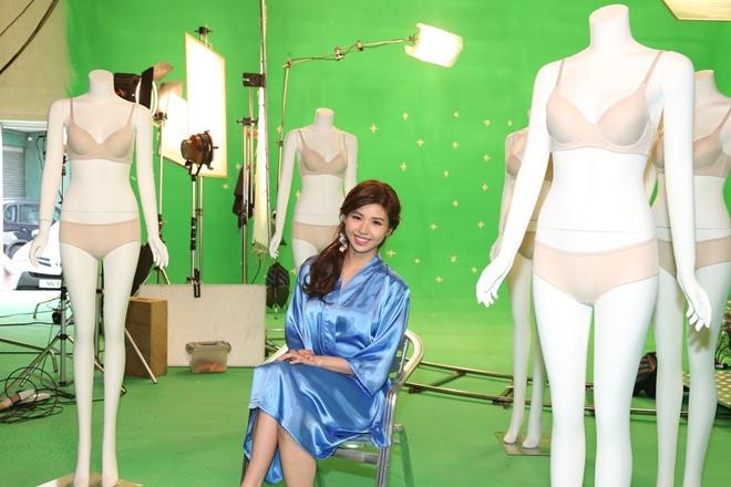 Á hậu Hong Kong khoe nội y trong phim mới gây chú ý - hình ảnh 4