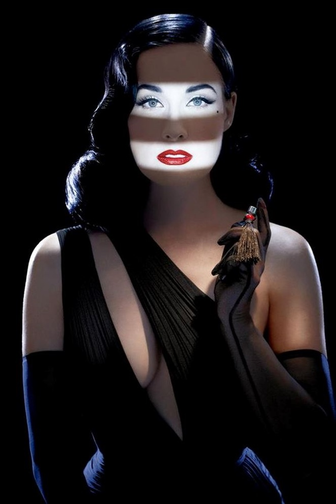 Những ảnh sexy nhất của vũ nữ thoát y số 1 thế giới Dita Von Teese - hình ảnh 1