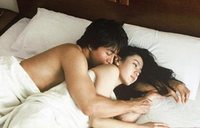 """""""Rụng tim"""" vì những nụ hôn táo bạo của chị đẹp đang hot nhất màn ảnh - hình ảnh 11"""