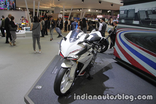 """Honda CBR 250RR 2017 """"trắng tinh khôi"""" trong màu áo mới - 1"""