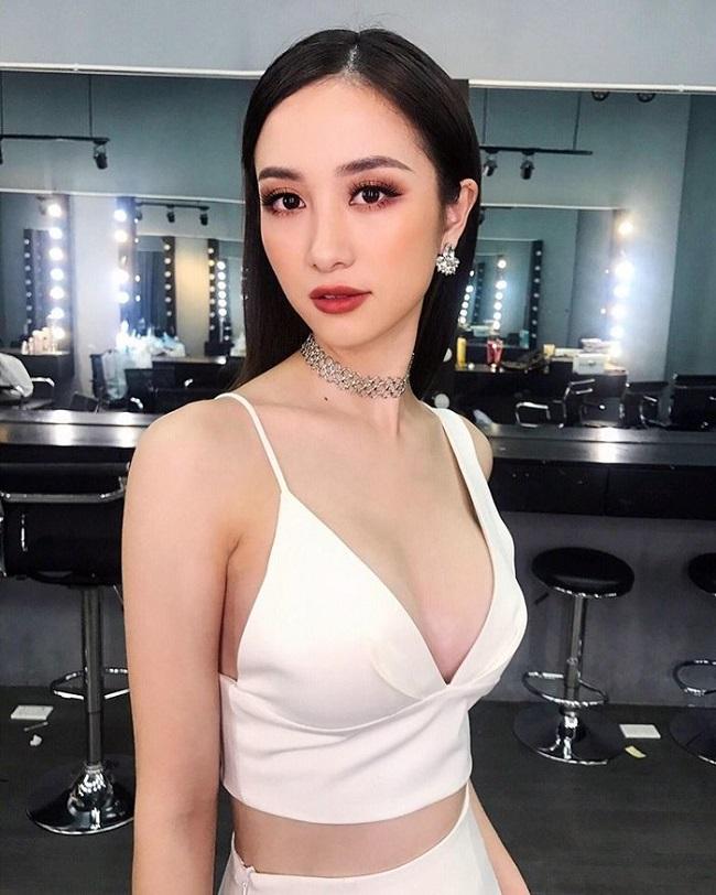 Sau sửa vòng 1, Vân Hugo, Phi Thanh Vân… mê mốt váy áo lả lơi như sắp rơi - hình ảnh 6