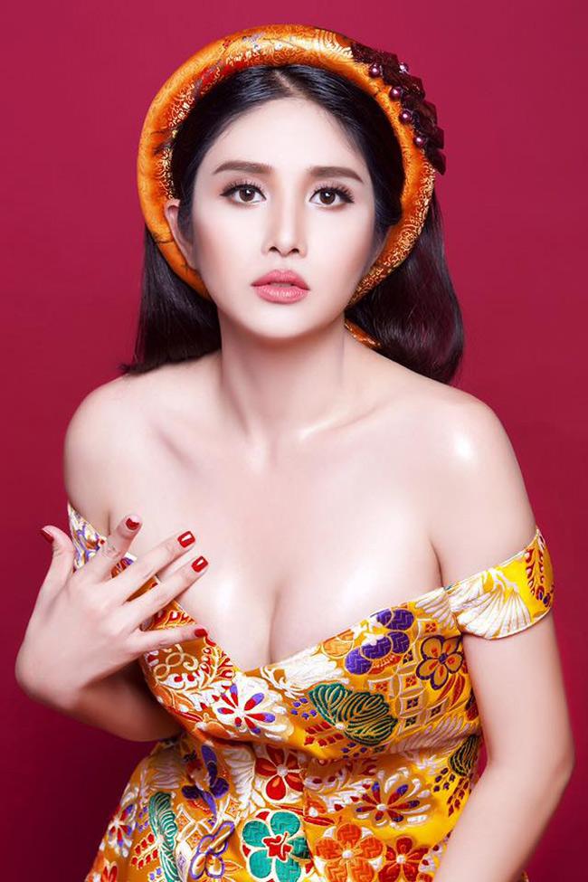 Sau sửa vòng 1, Vân Hugo, Phi Thanh Vân… mê mốt váy áo lả lơi như sắp rơi - hình ảnh 10