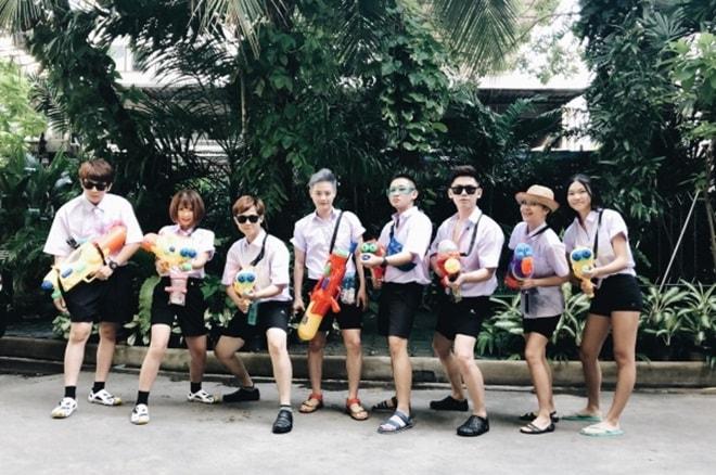 """""""Bật ngửa"""" với trang phục sao Việt diện trong lễ té nước Thái Lan - hình ảnh 7"""