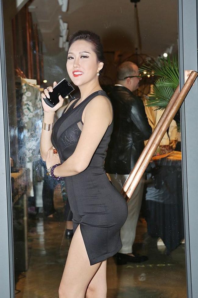 Khoe vòng 3 hơn 1 mét, Angela Phương Trinh và dàn mỹ nhân gây tranh cãi - hình ảnh 7