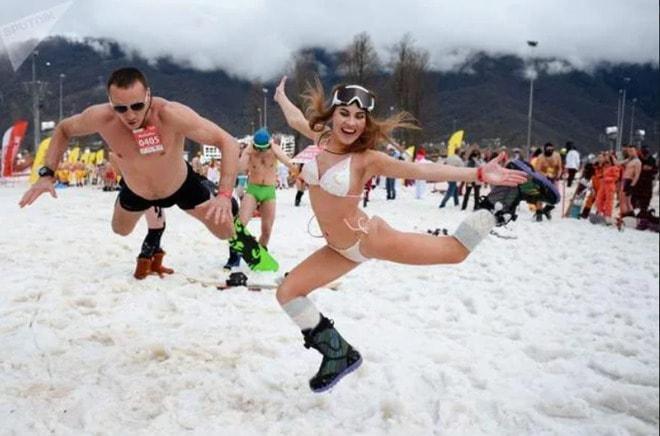 Ngàn gái đẹp diện bikini nóng bỏng trong lễ hội trượt tuyết tại Nga - hình ảnh 2