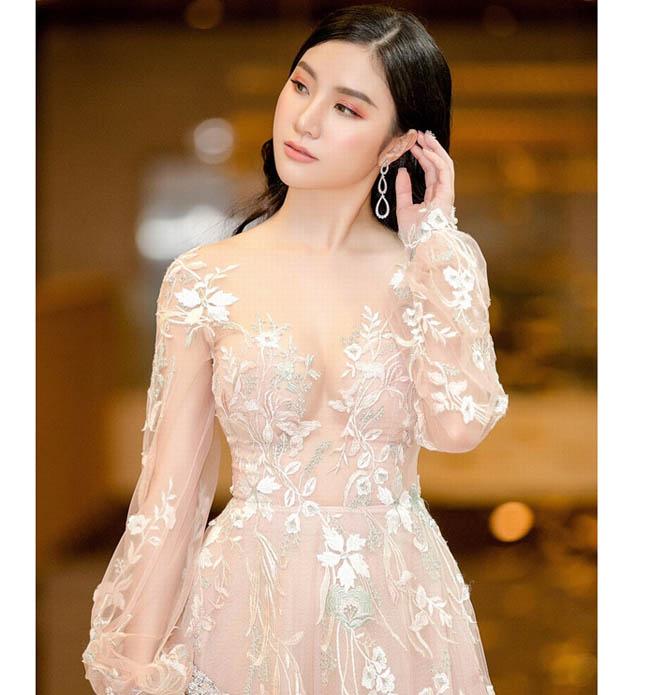 """Váy màu nude dễ mắc lỗi phản cảm của Elly Trần, """"bé heo"""" Minh Hằng - hình ảnh 17"""