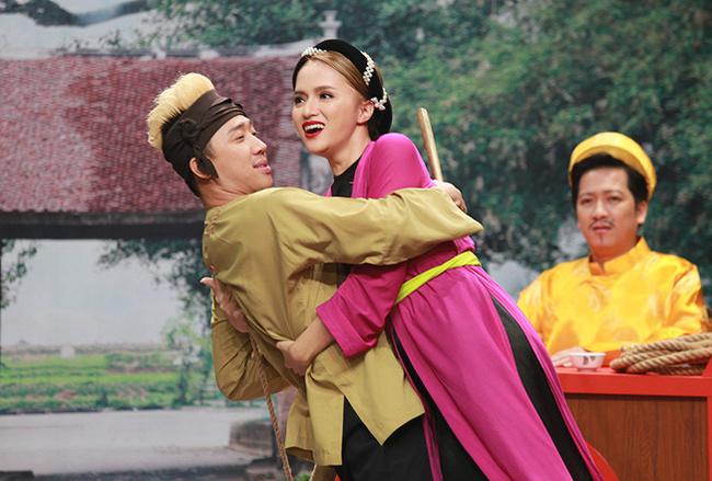 Giữa tin chia tay Nhã Phương, Trường Giang lại thân mật với Hương Giang Idol - hình ảnh 8