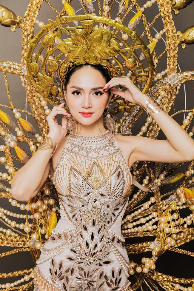 Giữa tin chia tay Nhã Phương, Trường Giang lại thân mật với Hương Giang Idol - hình ảnh 13