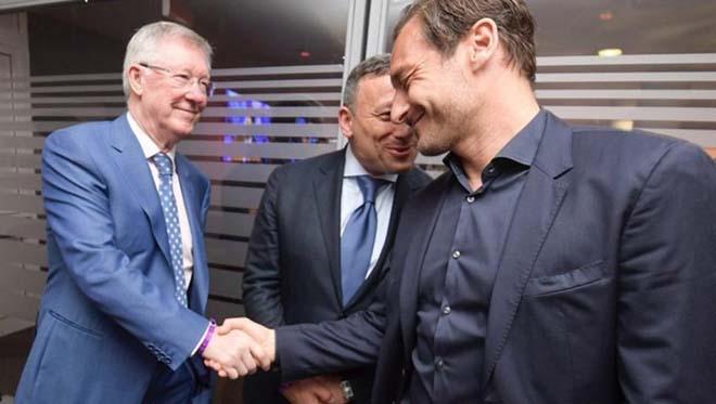 Sir Alex làm điệp viên, MU nhắm siêu HLV quật ngã Barca, thay Mourinho - 1