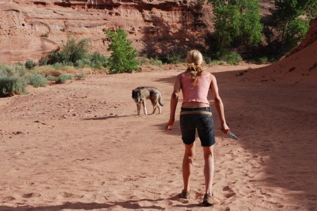 Những mẹo sinh tồn sai be bét trên phim ảnh khiến bạn gặp nguy hiểm - hình ảnh 7