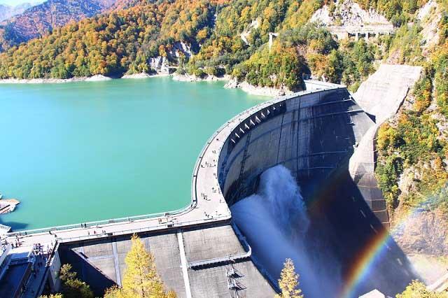 Tưởng chỉ là nhà máy thủy điện, ai ngờ đây lại là điểm du lịch đẹp tới nhường này - hình ảnh 1