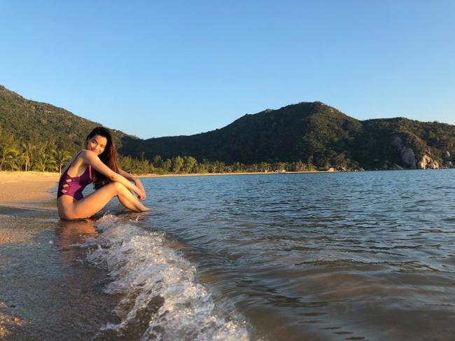 Mỹ nhân Việt đua nhau diện bikini khoe thân hình nóng bỏng ngày chớm hè - hình ảnh 6