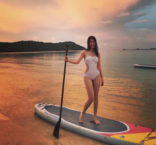 Mỹ nhân Việt đua nhau diện bikini khoe thân hình nóng bỏng ngày chớm hè - hình ảnh 13