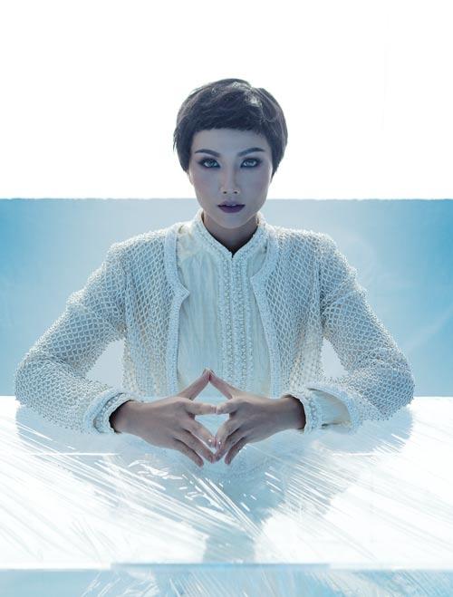 NTK Công Trí hồi sinh Coco Chanel qua… áo dài - hình ảnh 7