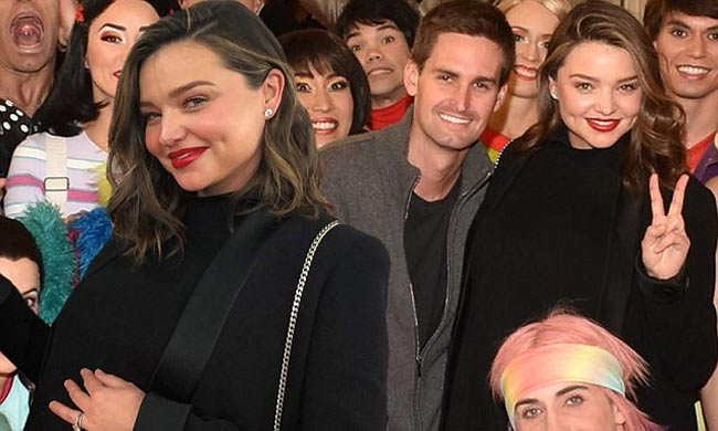 """""""Vợ tỷ phú đẹp nhất thế giới"""" Miranda Kerr mang bầu vẫn quyến rũ ngất ngây - hình ảnh 11"""