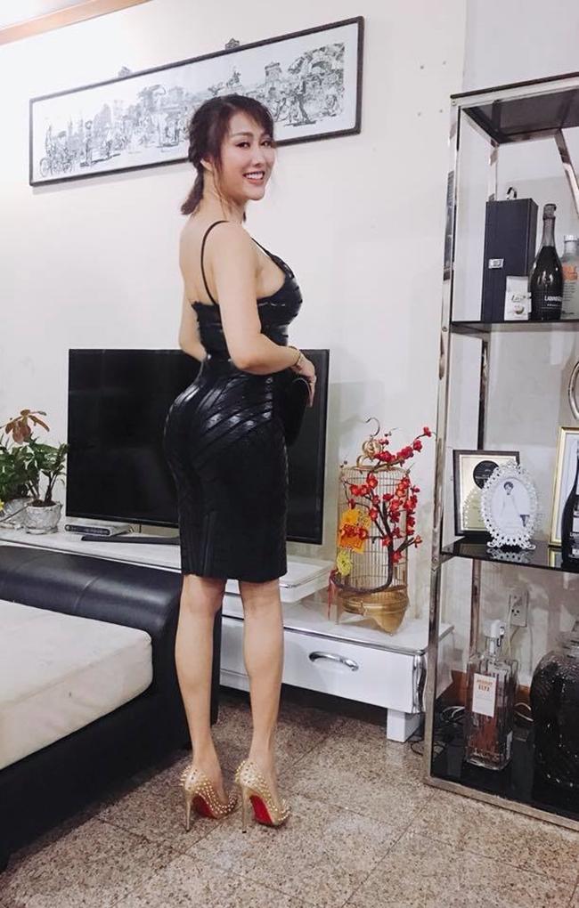 Mỏi cổ xem Angela Phương Trinh và dàn mỹ nữ oằn mình tạo dáng - hình ảnh 6