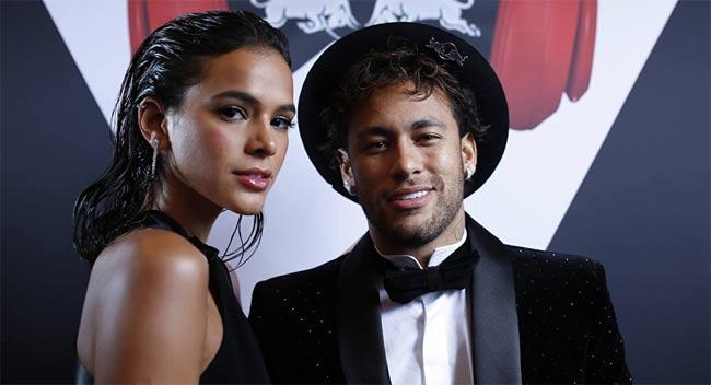 Đây là cô người mẫu khiến Neymar 5 lần, 7 lượt cũng không thoát nổi lưới tình - hình ảnh 4