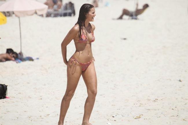 Đây là cô người mẫu khiến Neymar 5 lần, 7 lượt cũng không thoát nổi lưới tình - hình ảnh 12