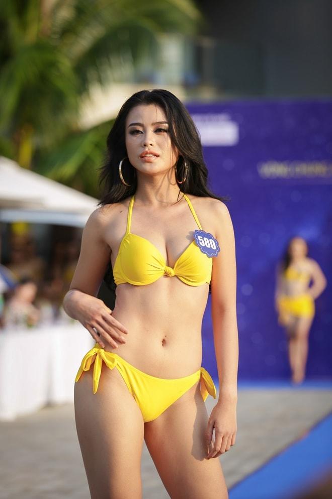 """Tình cũ 3 năm của Lê Hiếu khoe đường cong trong phần thi """"Người đẹp bikini"""" - hình ảnh 4"""