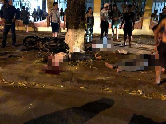 Xe con lấn làn tông xe máy, 3 người trong gia đình thương vong - hình ảnh 2