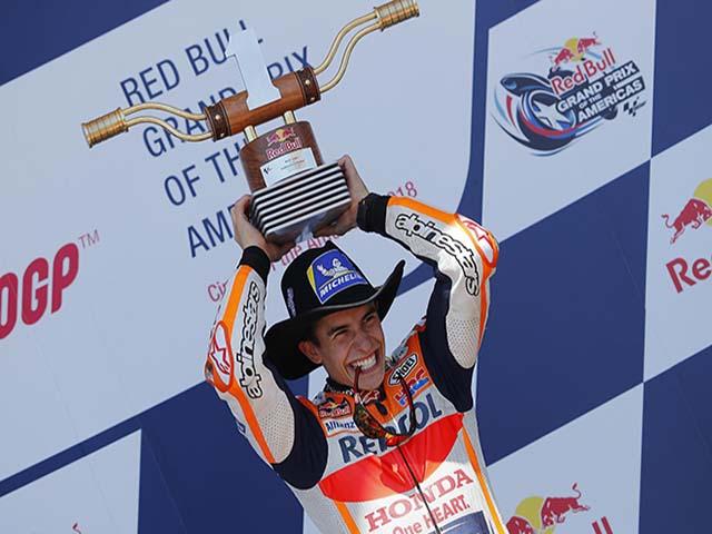 """Đua xe MotoGP: Đạp lên sóng gió, """"Hoàng tử"""" vẫn là kẻ thống trị"""