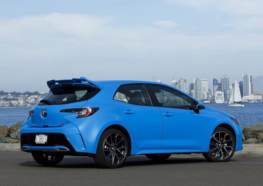 Ngắm Toyota Corolla 2019: Đối thủ của Honda Civic và Chevrolet Cruze hatchback - 8