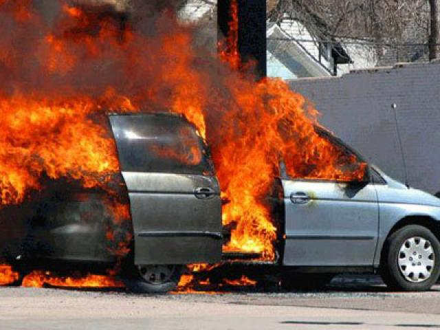Ám ảnh tiếng kêu cứu của cô gái trong chiếc xe cháy rực và tội ác của người tình cũ