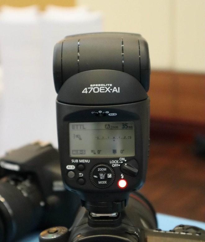 LẠ: Canon giới thiệu đèn flash tự xoay và đánh sáng thông minh - 1