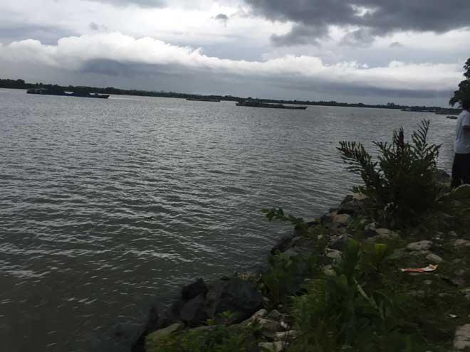2 nữ sinh ở Sài Gòn tử vong dưới sông Đồng Nai - 1