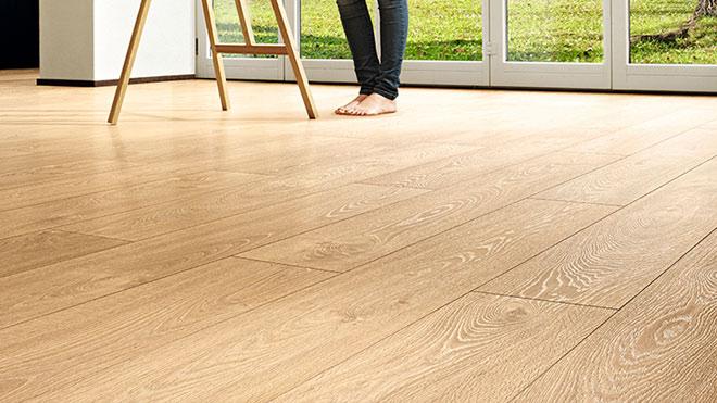 Sàn nhựa hèm khóa hay sàn gỗ cao cấp phù hợp với thời tiết Việt Nam? - 1