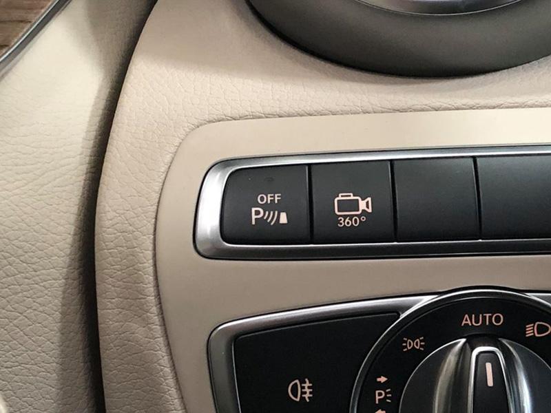 Mercedes-Benz Việt Nam trang bị thêm cho dòng C-Class, giữ nguyên giá - 2