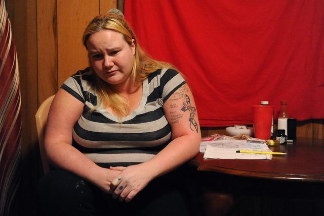 Được giải cứu sau 6 tháng bị bạn trai cũ nhốt ở nhà nghỉ, trở về thì mẹ đã qua đời - 1