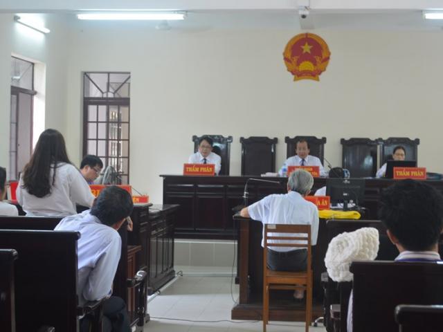Tại sao ông Nguyễn Khắc Thủy được giảm xuống án treo?