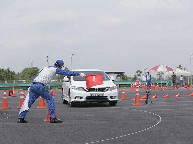 """Honda Việt Nam tổ chức Hội thi  """"Hướng dẫn viên Lái xe an toàn xuất sắc năm 2018"""""""