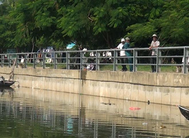 Nghỉ học ôn thi, 2 học sinh chết đuối thương tâm trên sông Trà Bồng - 1