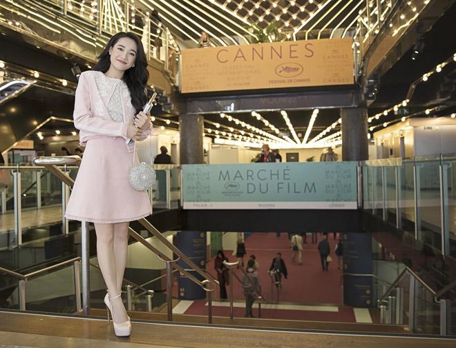 Nhã Phương diện áo dài truyền thống tại LHP Cannes - 1