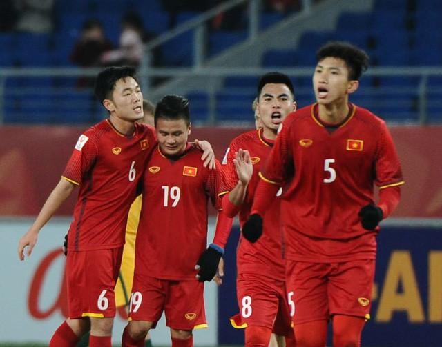 Bảng xếp hạng FIFA tháng 5: Việt Nam tiến sát top 100, hơn Thái Lan 20 bậc - 1