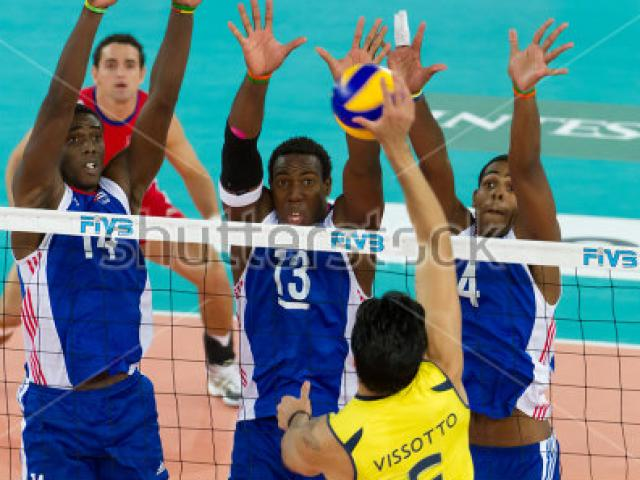 Kinh điển bóng chuyền: Toàn khổng lồ 2m, Cuba kịch chiến Brazil 5 set