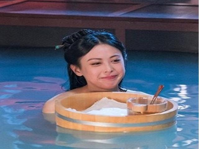 """Mỹ nhân TVB bị ốm nặng vì đóng cảnh tắm phim """"Thâm Cung Kế"""""""