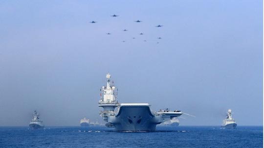 Mỹ sẽ đưa tàu chiến lớn hơn thách thức Trung Quốc ở biển Đông? - 1